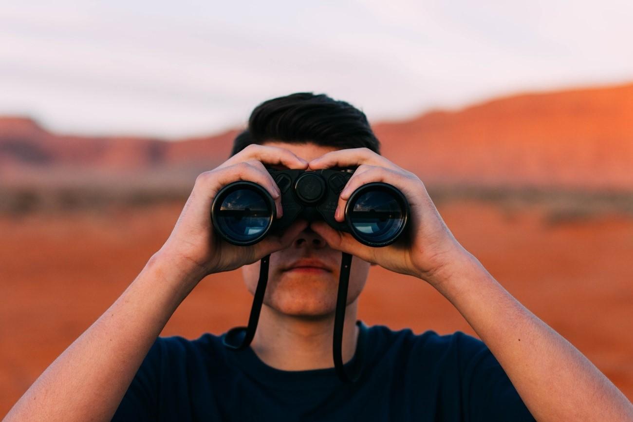 ¿Por qué espiamos a nuestra pareja en las redes sociales?